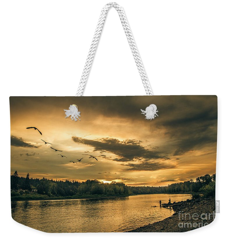 River Weekender Tote Bag featuring the photograph Sunset On The Willamette River by Robert Bales