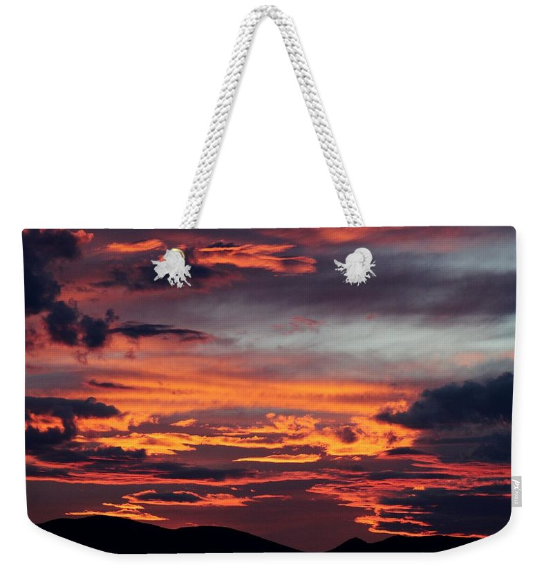 Sunset Weekender Tote Bag featuring the photograph Sunset Skies 052814d by Edward Dobosh