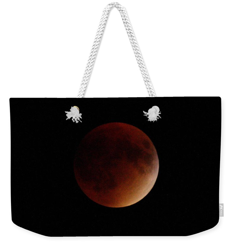 Kooldnala Weekender Tote Bag featuring the photograph Super Blood Red Moon Eclipse No 7 by Alan Look