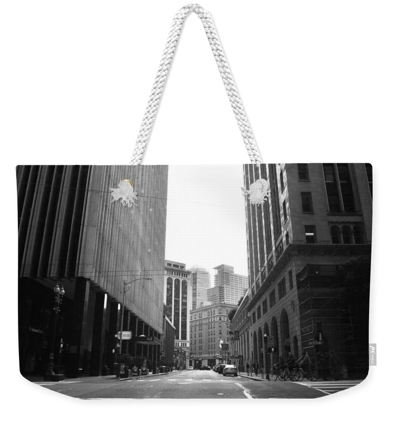 City Weekender Tote Bag featuring the photograph Sutter Street - San Francisco Street View Black And White by Matt Harang