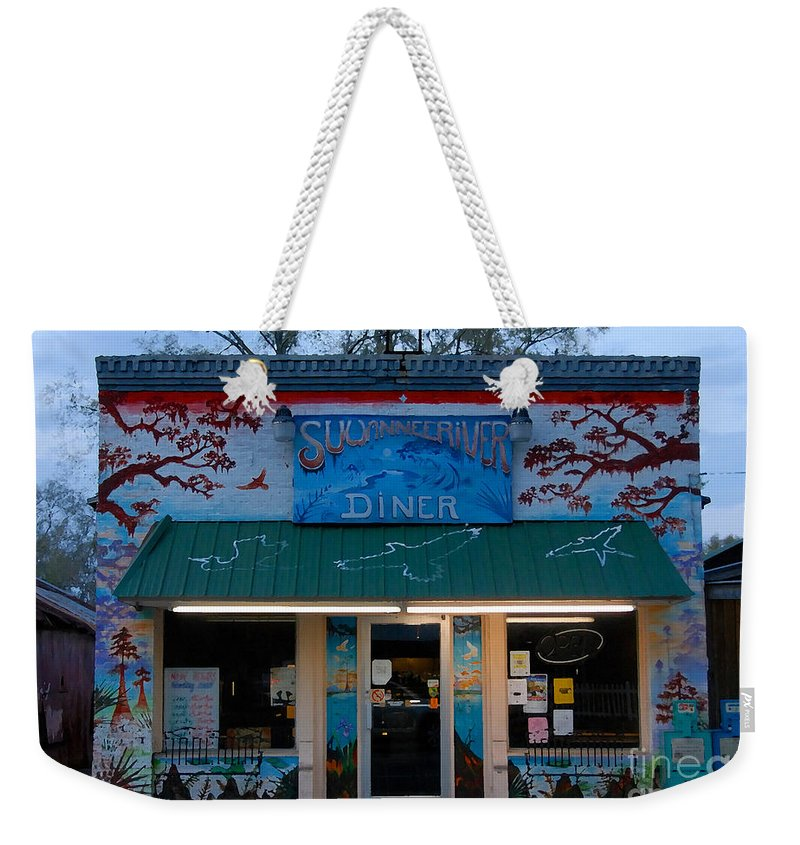 Suwanee River Weekender Tote Bag featuring the photograph Suwannee River Diner by David Lee Thompson