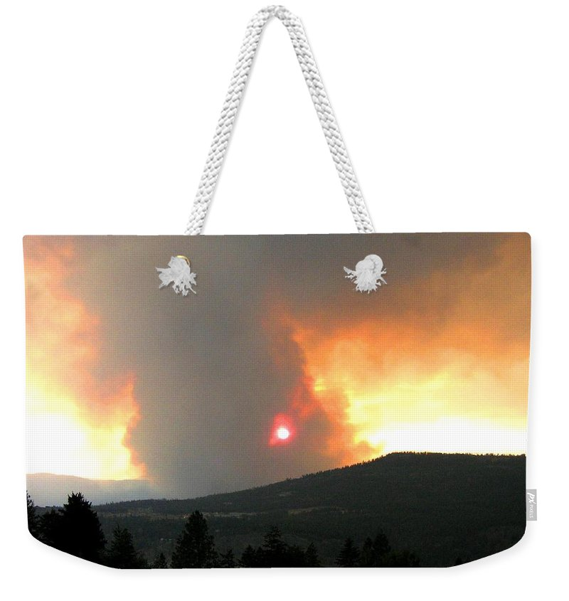 Forest Fire Weekender Tote Bag featuring the photograph Terrace Mountain Fire 3 by Will Borden