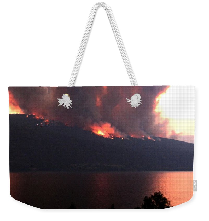 Forest Fire Weekender Tote Bag featuring the photograph Terrace Mountain Fire 5 by Will Borden