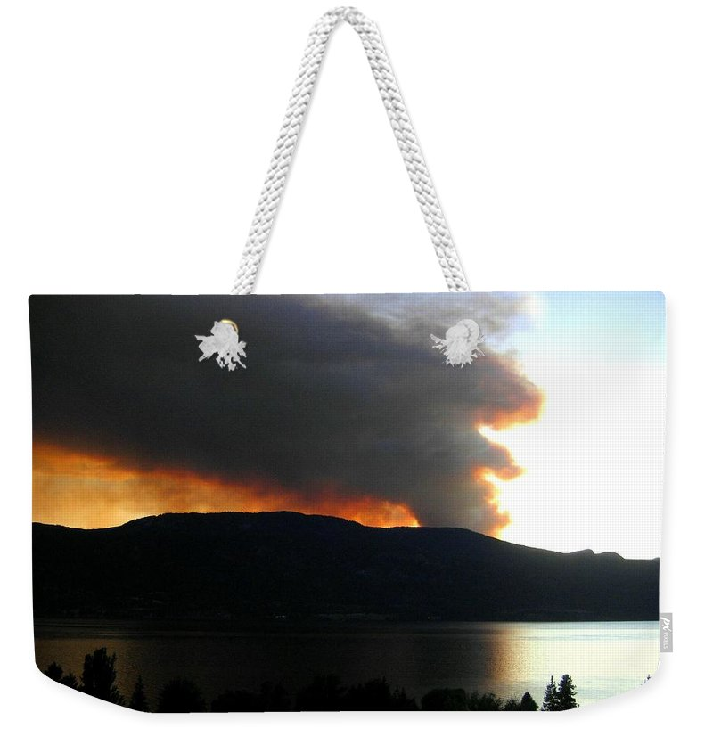 Forest Fire Weekender Tote Bag featuring the photograph Terrace Mountain Fire by Will Borden