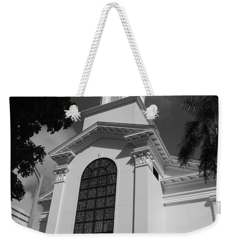 Architecture Weekender Tote Bag featuring the photograph Thats Church by Rob Hans