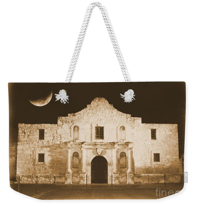 The Alamo Weekender Tote Bag featuring the photograph The Alamo Greeting Card by Carol Groenen