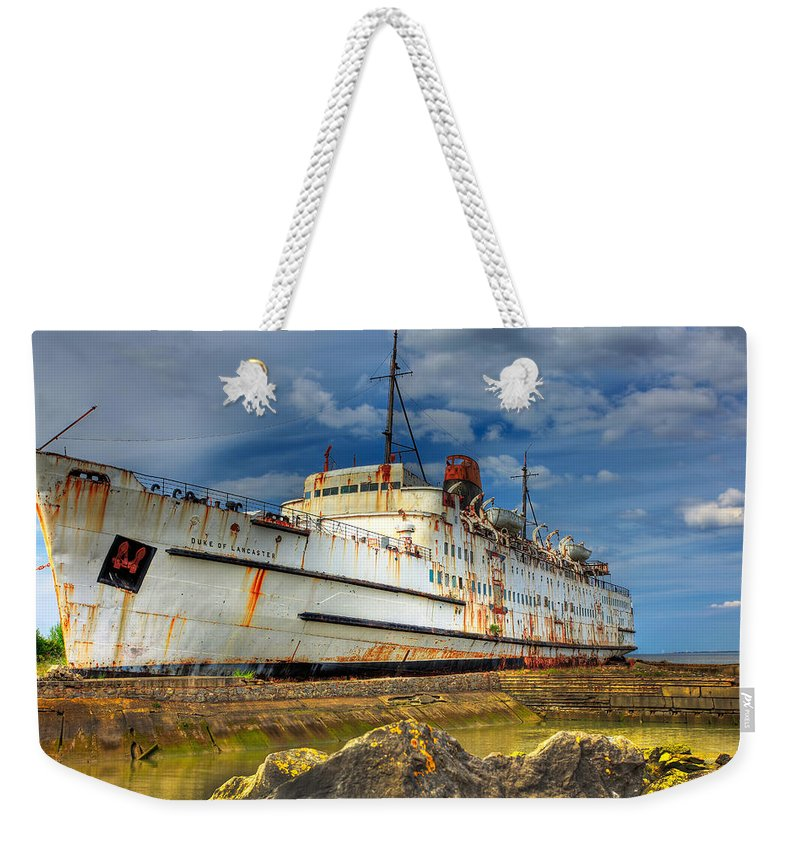 Hdr Weekender Tote Bag featuring the photograph The Duke by Adrian Evans