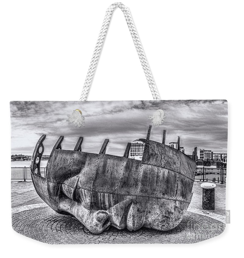 Brenizer Method Brenizer Weekender Tote Bag featuring the photograph The Face Of The Bay Mono by Steve Purnell
