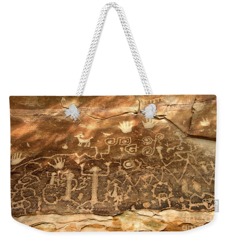 Anasazi Weekender Tote Bag featuring the photograph The Great Panel by David Lee Thompson
