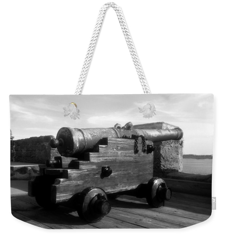 Castillo De San Marcos National Monument Weekender Tote Bag featuring the photograph The Old Castillo by David Lee Thompson