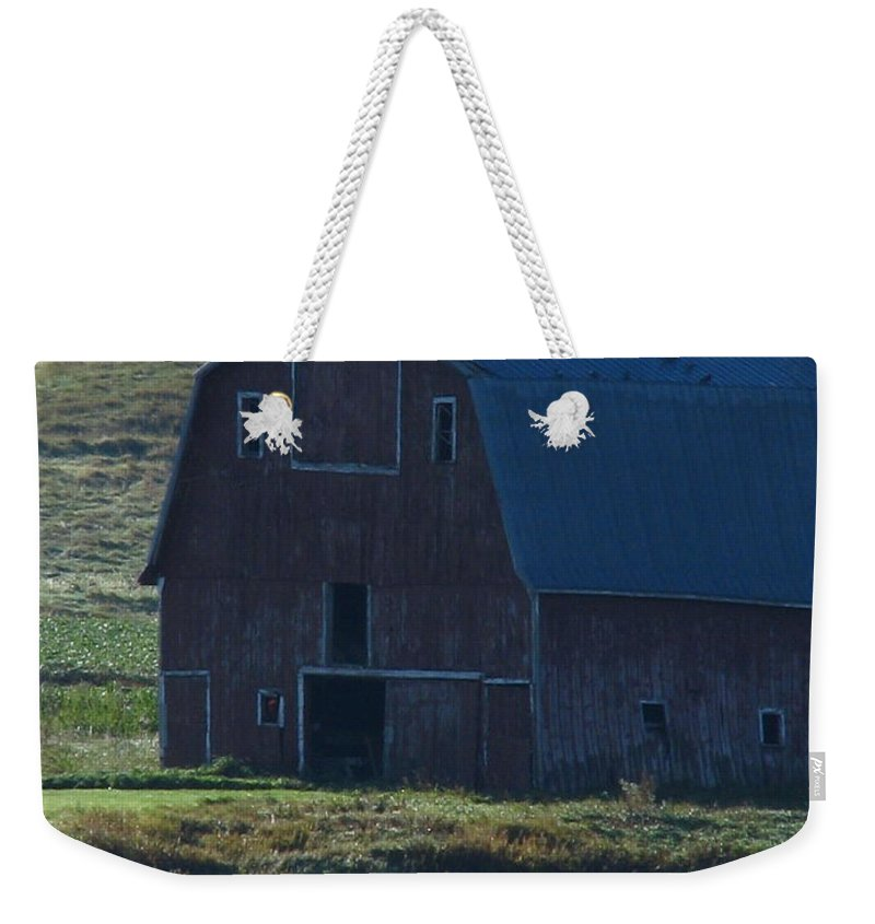 Old Barn Weekender Tote Bag featuring the photograph The Old Style by Greg Patzer