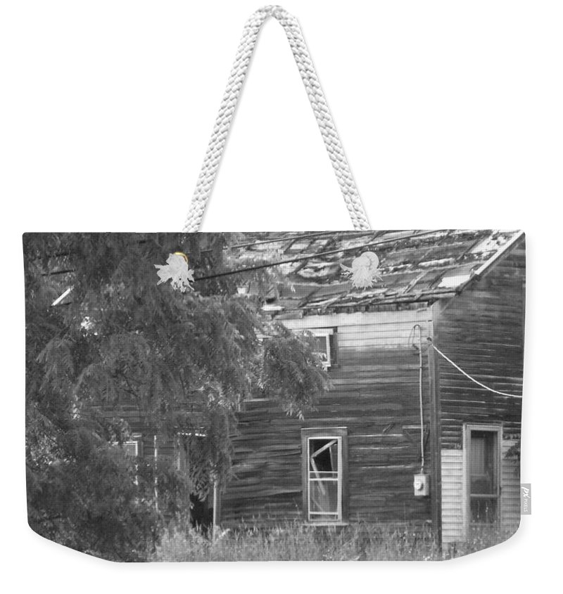 House Weekender Tote Bag featuring the photograph This Old House by Rhonda Barrett