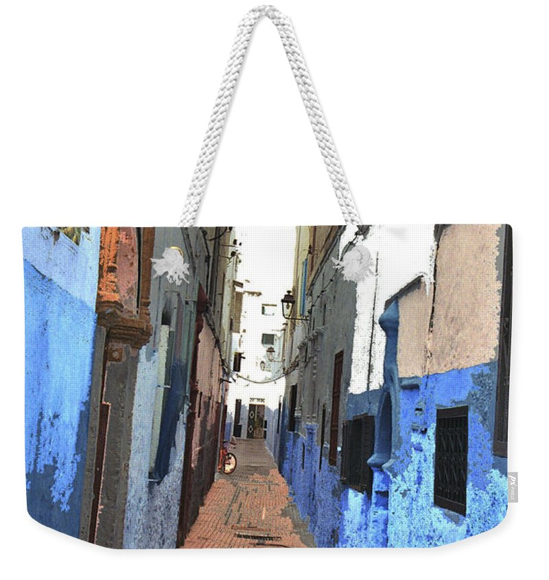 Urban Weekender Tote Bag featuring the photograph Urban Scene by Hana Shalom