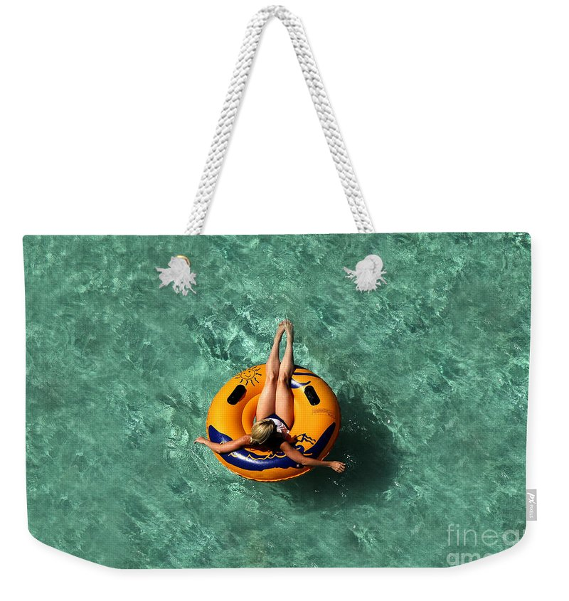 Vacation Weekender Tote Bag featuring the photograph Vacation by David Lee Thompson