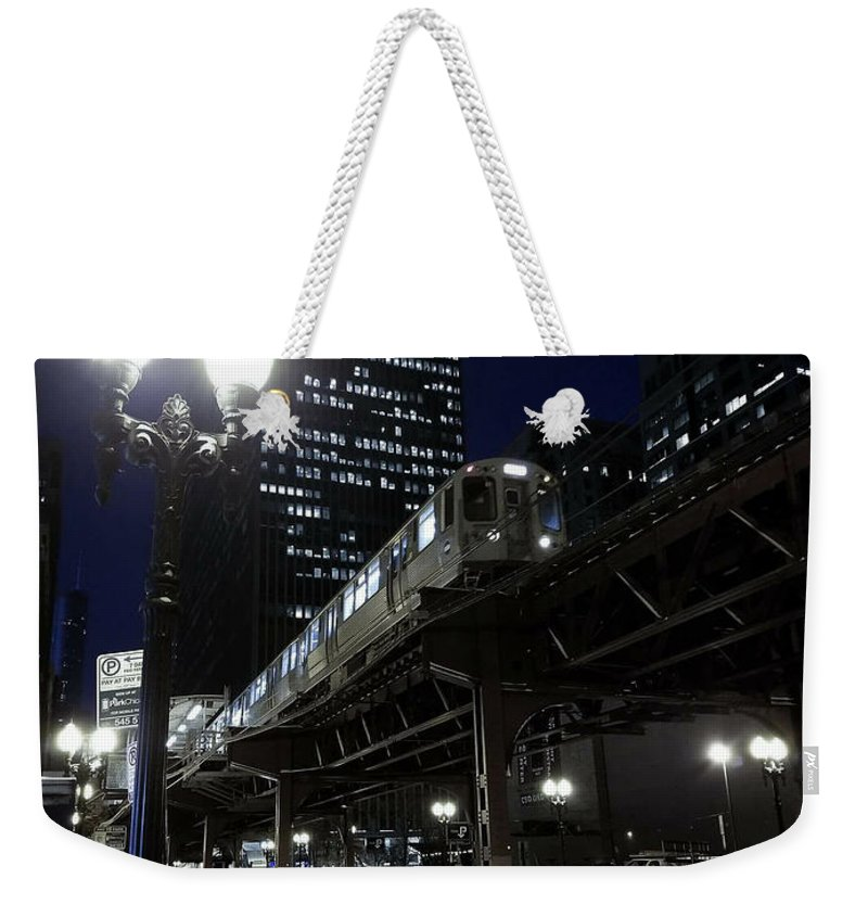 Chicago Weekender Tote Bag featuring the photograph Wabash El by Sue Conwell