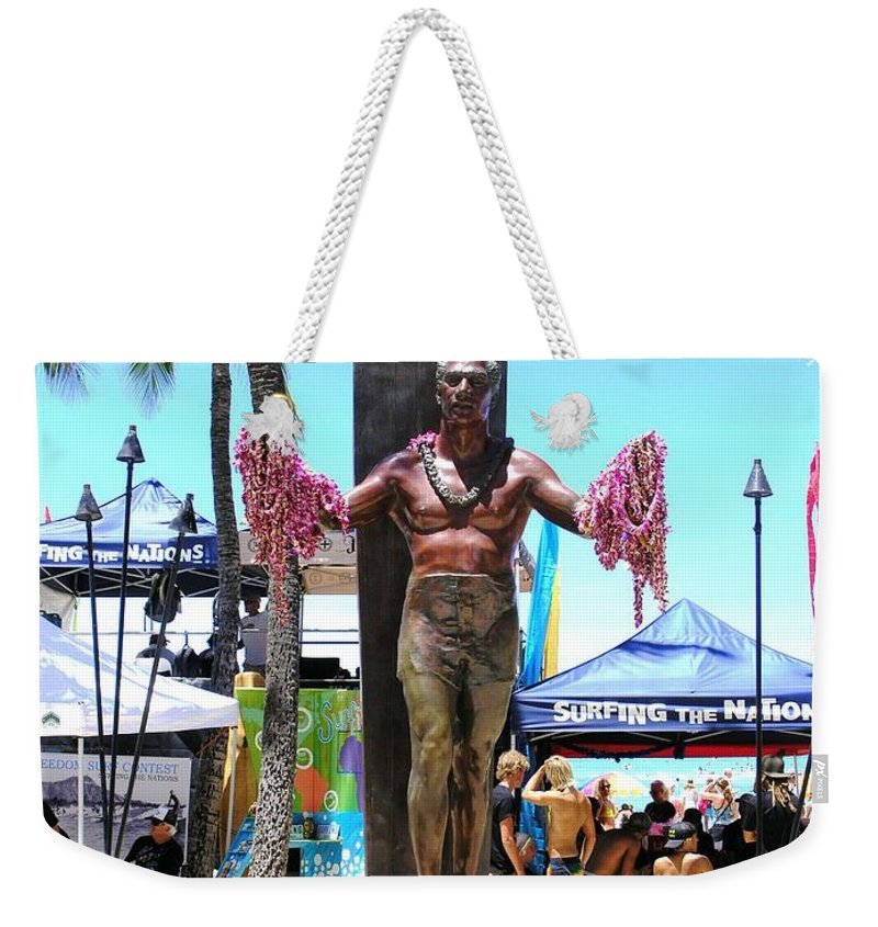 Statues Weekender Tote Bag featuring the photograph Waikiki Statue - Duke Kahanamoku by Mary Deal