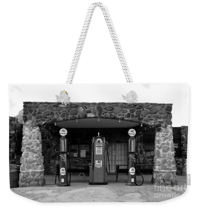 Route 66 Weekender Tote Bag featuring the photograph Waiting For Business by David Lee Thompson