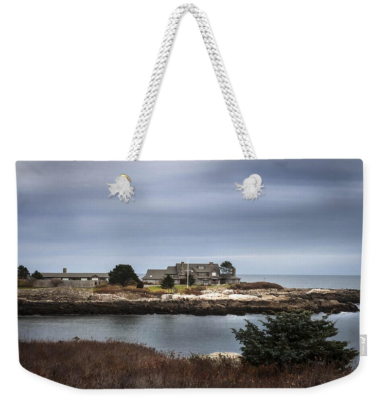 Walkers Point Weekender Tote Bag featuring the photograph Walkers Point Kennebunkport Maine by Debra Forand