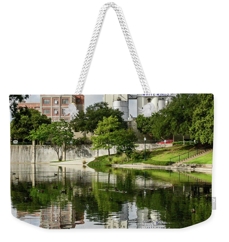 San Antonio Weekender Tote Bag featuring the photograph Walking The San Antonio River by Allen Sheffield