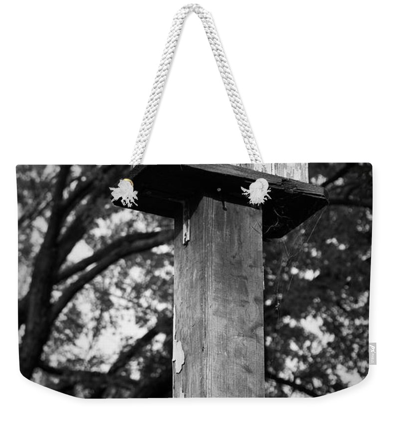 Birdhouse Weekender Tote Bag featuring the photograph Weathered Bird House by Teresa Mucha