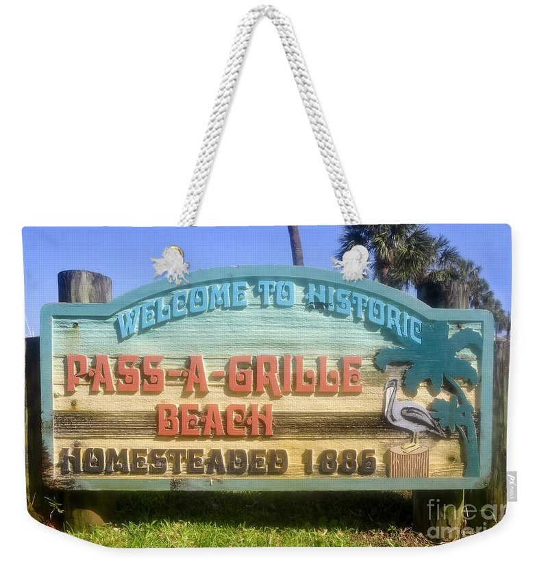 Pass A Grille Beach Florida Weekender Tote Bag featuring the photograph Welcome Sign by David Lee Thompson