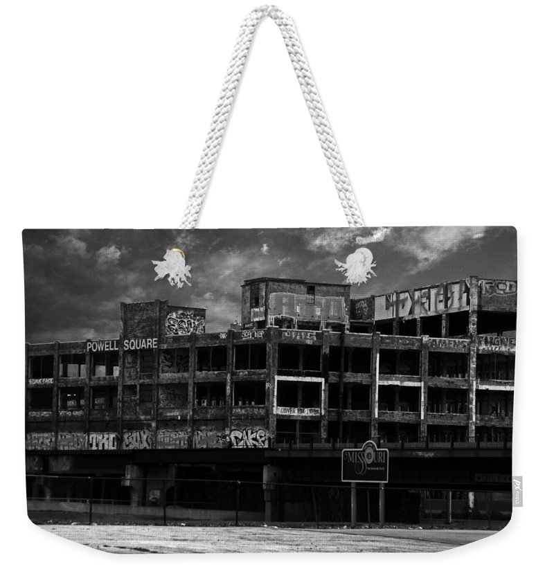 Missouri Weekender Tote Bag featuring the photograph Welcome To Missouri by Anthony Jones