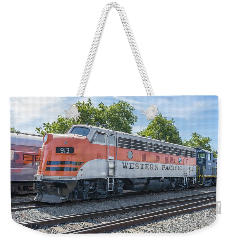California Weekender Tote Bag featuring the photograph Western Pacific 913 by Jim Thompson