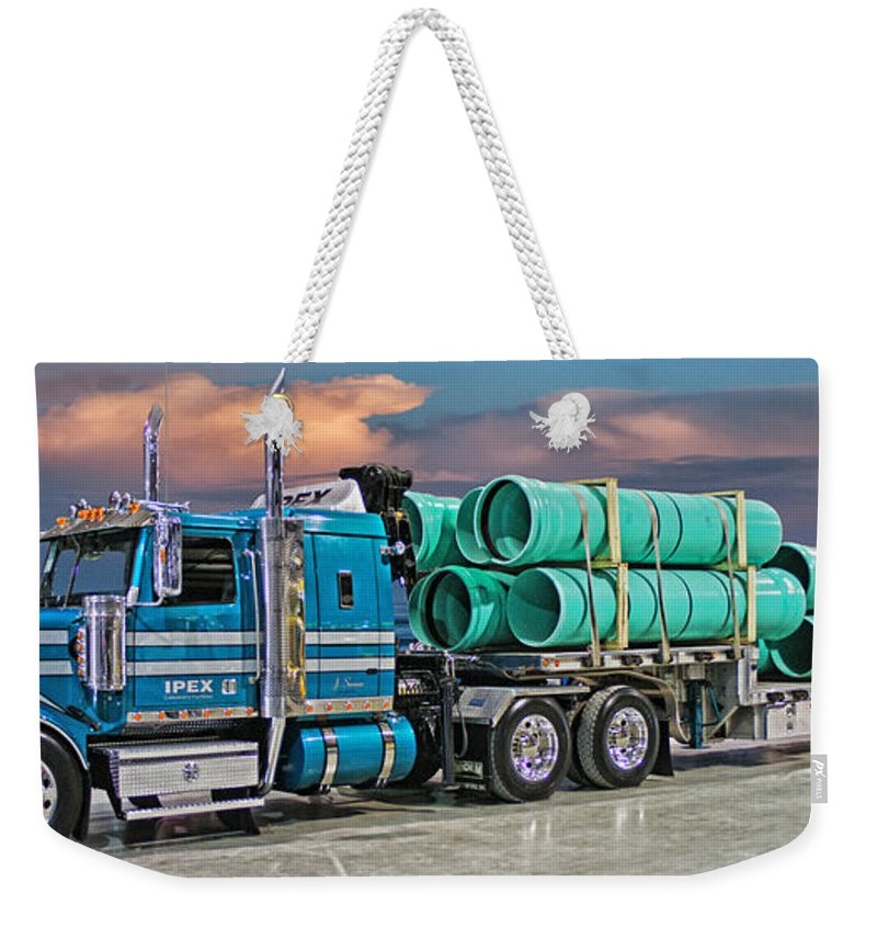 Big Rigs Weekender Tote Bag featuring the photograph Western Star Ipex Truck by Randy Harris