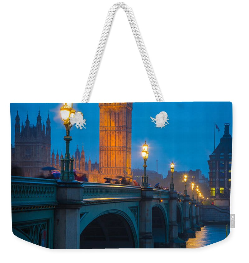 Big Ben Weekender Tote Bag featuring the photograph Westminster Bridge At Night by Inge Johnsson