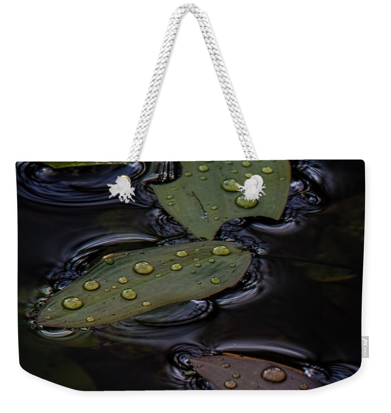 Water Weekender Tote Bag featuring the photograph Wet by Randy Hall