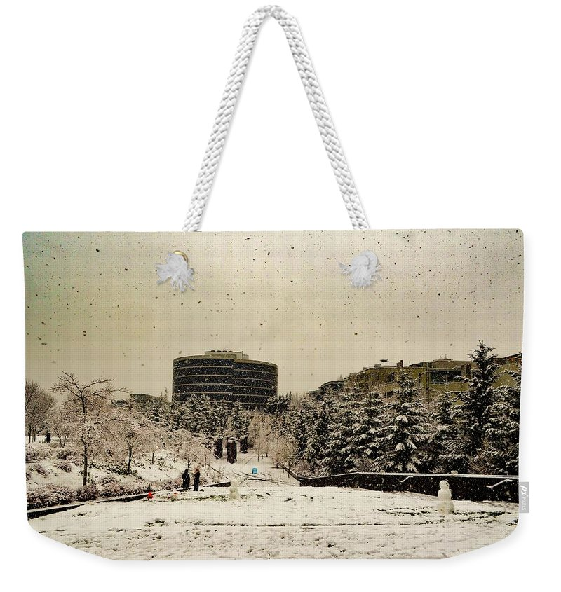 Snow Weekender Tote Bag featuring the photograph White Seattle by Aparna Tandon