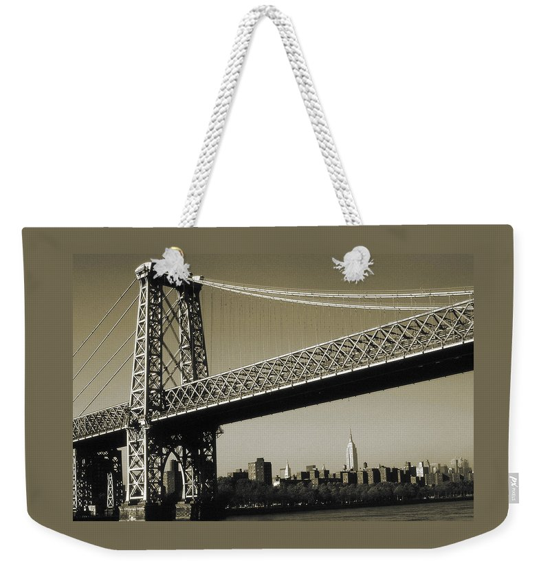 Williamsburg+bridge Weekender Tote Bag featuring the photograph Old New York Photo - Williamsburg Bridge by Peter Potter