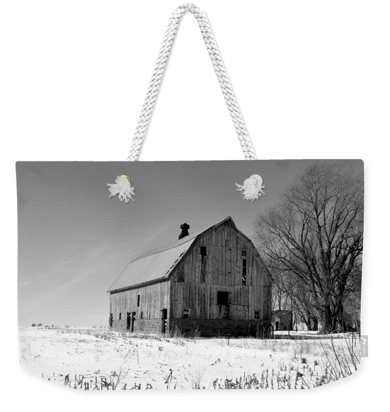 Rustic Weekender Tote Bag featuring the photograph Willow Barn Bw by Bonfire Photography