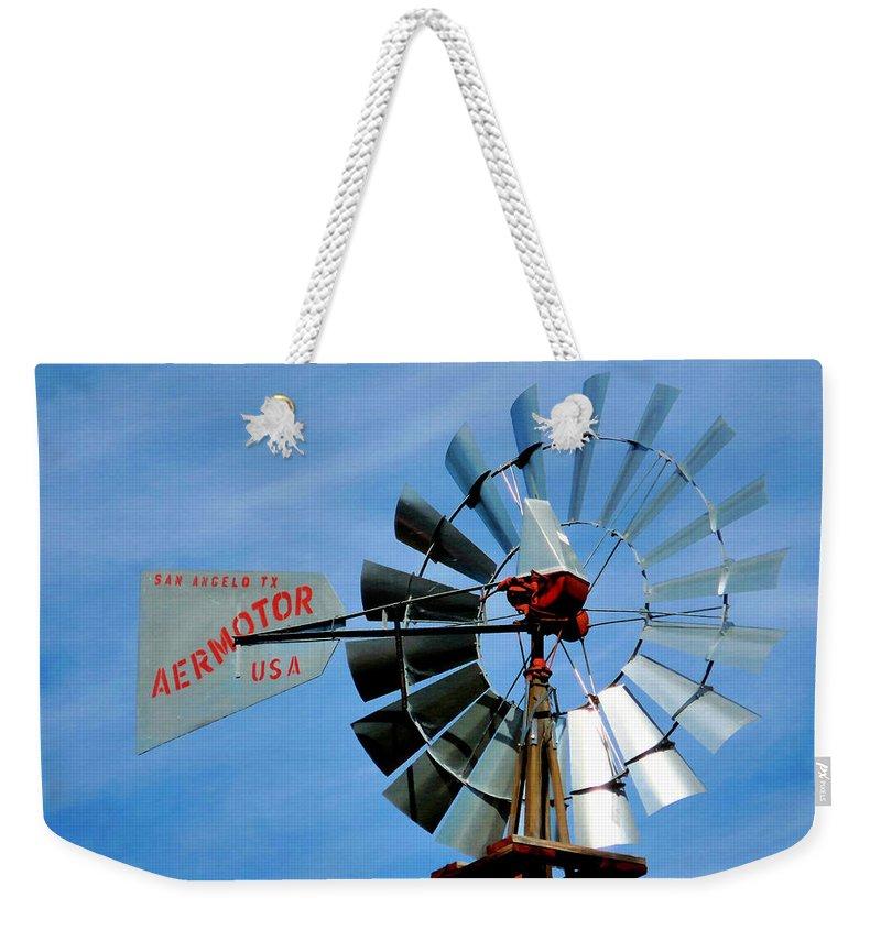 Wind Mill Pump In Usa Weekender Tote Bag featuring the painting Wind Mill Pump In Usa 2 by Jeelan Clark