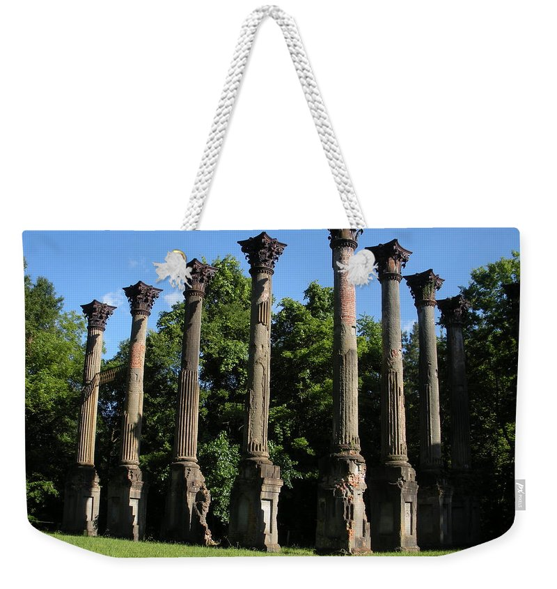 Plantation Weekender Tote Bag featuring the photograph Windsor Mansion 1 by Nelson Strong