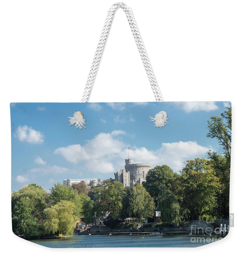 England Weekender Tote Bag featuring the photograph Windsor Castle by F Helm