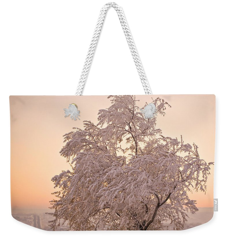 Winter Weekender Tote Bag featuring the photograph Winter Sunset by Marilyn Hunt