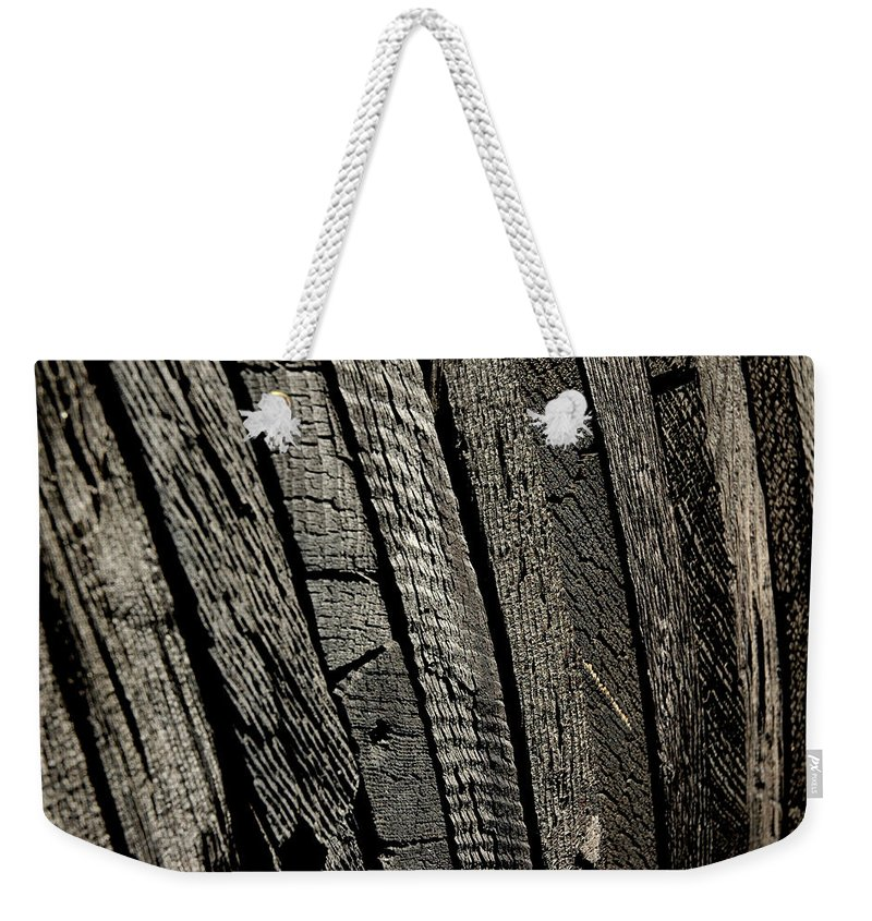 Usa Weekender Tote Bag featuring the photograph Wooden Water Wheel by LeeAnn McLaneGoetz McLaneGoetzStudioLLCcom