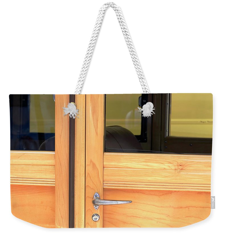 Woody Weekender Tote Bag featuring the photograph Woody Del Mar by Lisa Ross