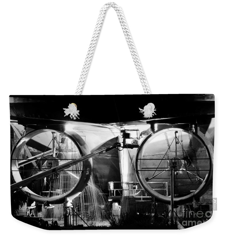 Work Weekender Tote Bag featuring the photograph Working Men by David Lee Thompson