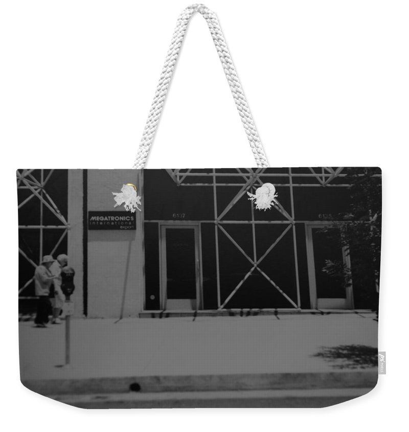 Black And White Weekender Tote Bag featuring the photograph X by Rob Hans