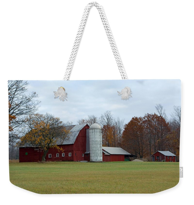 Barn Weekender Tote Bag featuring the photograph Ye Old Red Barn by Linda Kerkau