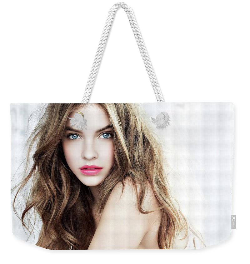 Weekender Tote Bag featuring the glass art Your Skin To Get Away Fast by Molise Jollen