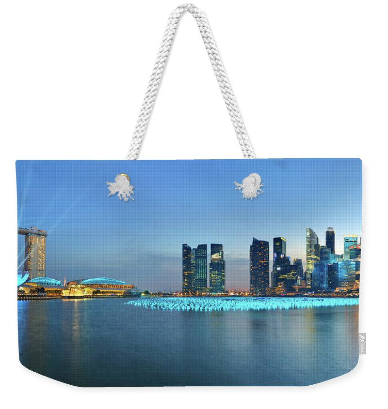 Tranquility Weekender Tote Bag featuring the photograph Singapore Marina Bay by Fiftymm99