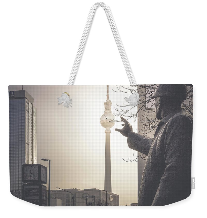 Photography Weekender Tote Bag featuring the photograph Der Bauarbeiter, Berlin, 2015 by Ronnie Behnert