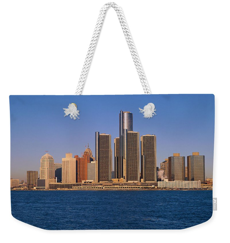 Detroit Weekender Tote Bag featuring the photograph Detroit Buildings On The Water by Visionsofamerica/joe Sohm