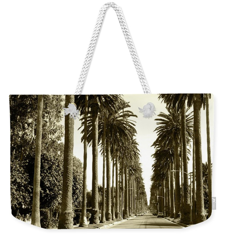 1950-1959 Weekender Tote Bag featuring the photograph Grayscale Image Of Beverly Hills by Marcomarchi
