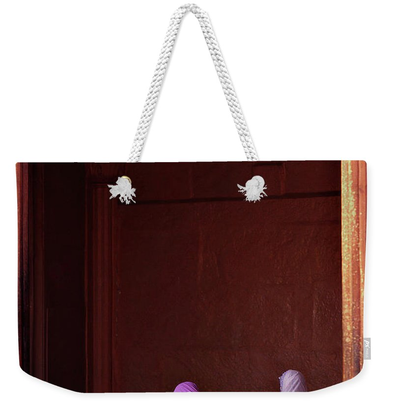 Hanging Weekender Tote Bag featuring the photograph India - Jama Masjid Mosque by Sergio Pessolano