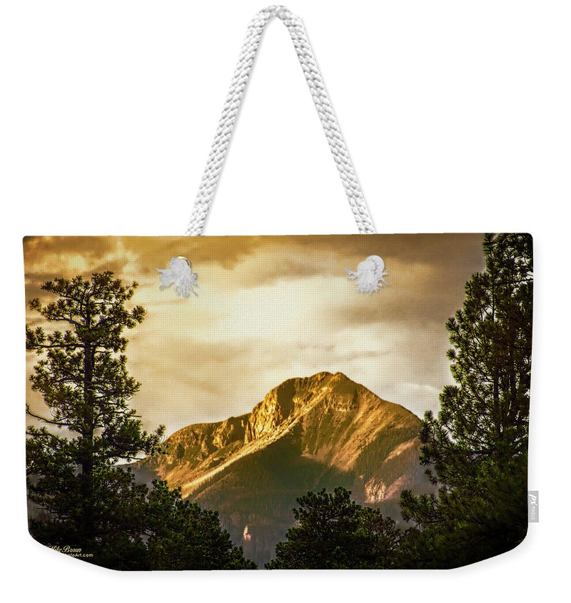 Colorado Weekender Tote Bag featuring the photograph Mount Pagosa Gold by Mike Braun