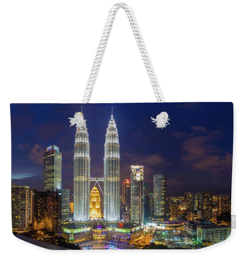 Panoramic Weekender Tote Bag featuring the photograph Panoramic View Of Petronas Twin Towers by Www.imagesbyhafiz.com